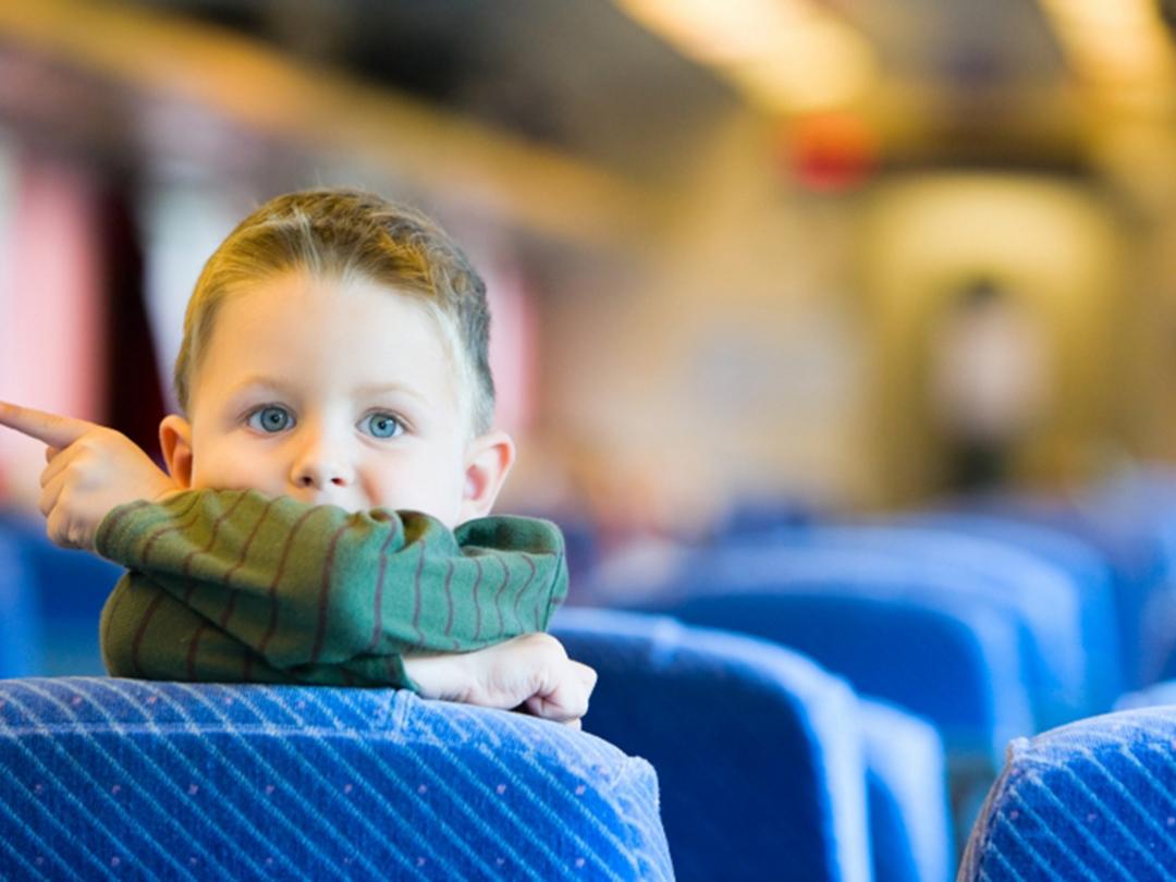 Pojke på tåg_Om oss_1080px